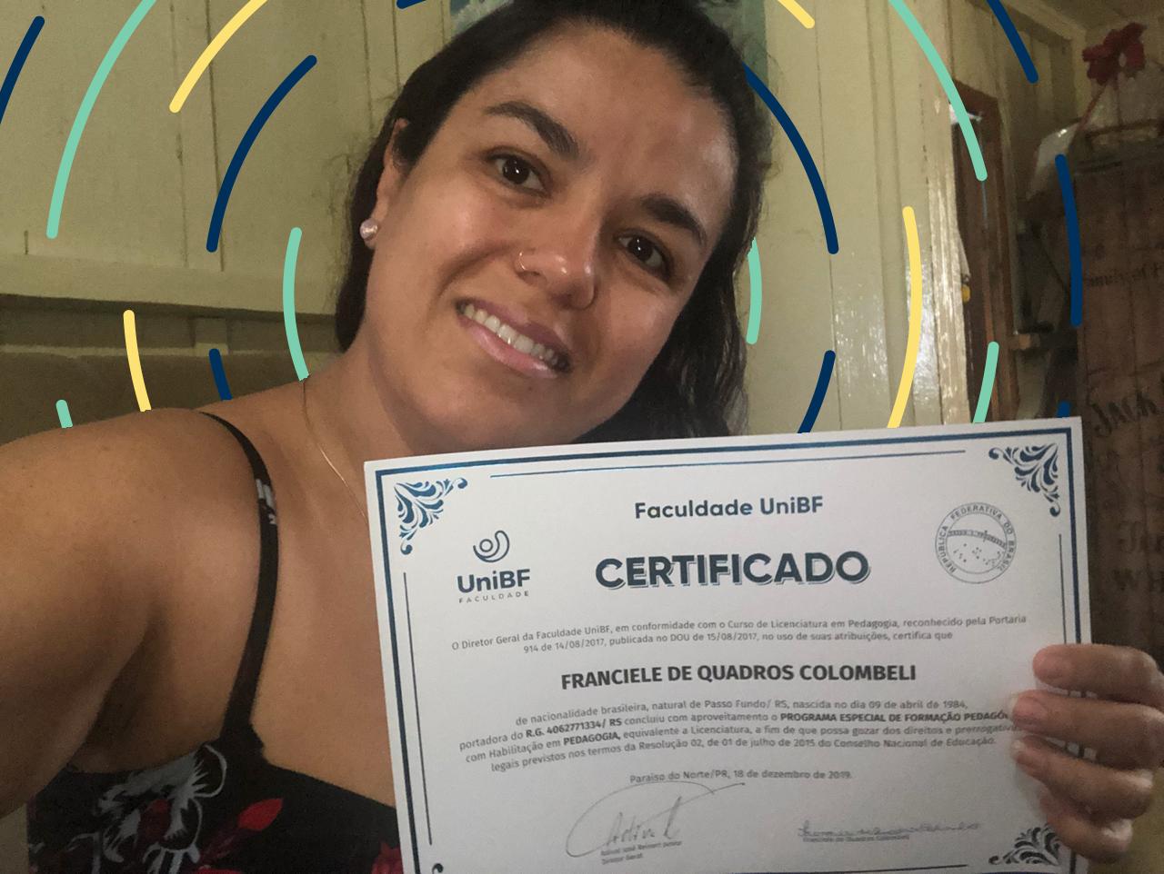 Pedagogia: nossa aluna Franciele se formou e agora é uma consultora da UniBF!
