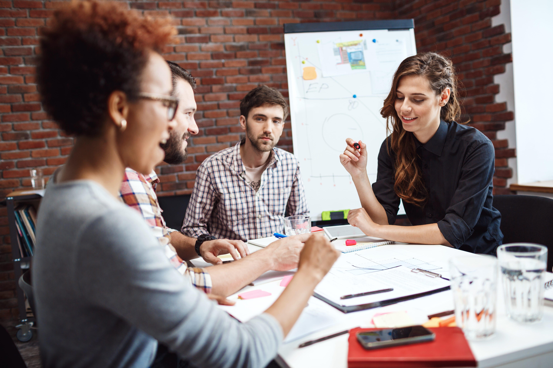 O que é psicologia social e qual sua atuação principal?